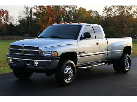 2002 Dodge Ram 3500 for Sale by Owner in Everett, WA 98201
